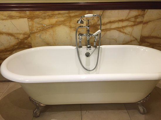 Stoke Poges, UK: A classic bathtub in the mansion.