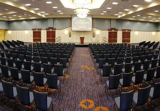 Courtyard Fargo Moorhead, MN: Conference Center