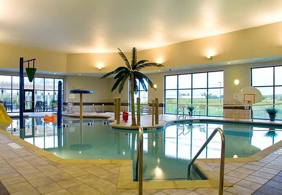 Middleton, WI: Enhanced Indoor Pool Area