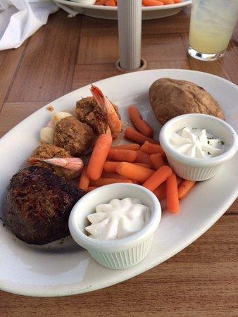 Warren, RI: Stuffed shrimp and filet combo