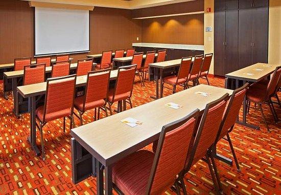Mishawaka, IN: Meeting Room – Classroom Setup
