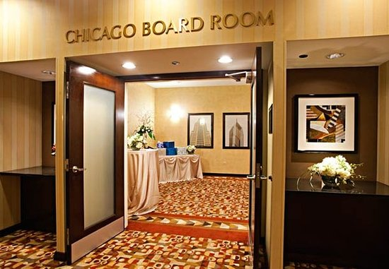 Courtyard Chicago Downtown/Magnificent Mile: Chicago Boardroom – Event Setup