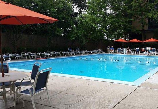 East Elmhurst, NY: Outdoor Pool