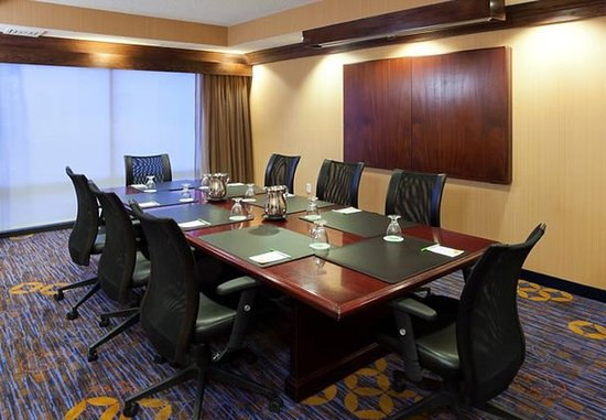 Louisville, CO: Boardroom
