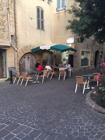 Restaurant chez toi dans salon de provence avec cuisine for Pata pizza salon de provence