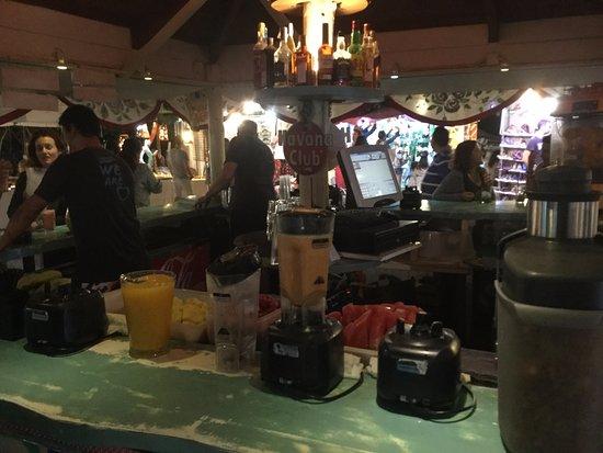 Sant Carles de Peralta, España: cocktail bar