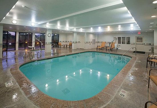 Rancho Cucamonga, Kalifornien: Indoor Pool & Spa