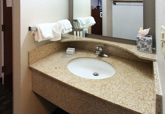 Matthews, Carolina do Norte: Suite Bathroom