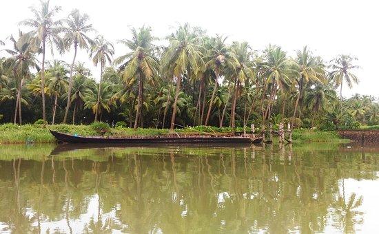 The Lalit Resort & Spa Bekal: Backwaters