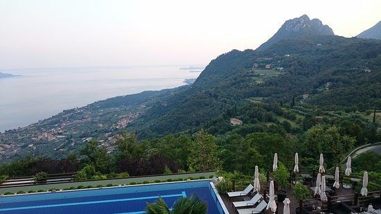Lefay Resort & Spa Lago di Garda: View from terrace.