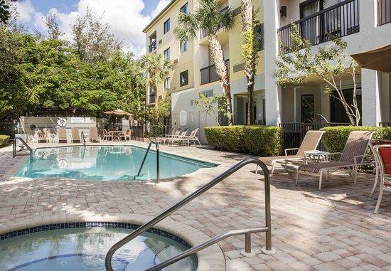 Coral Springs, Floride : Outdoor Pool & Whirlpool