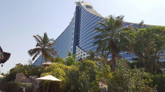 Jumeirah Beach Hotel: 20150826_095947-1_large.jpg