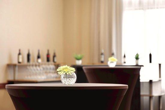 Saint Charles, MO: Portland Reception Bar