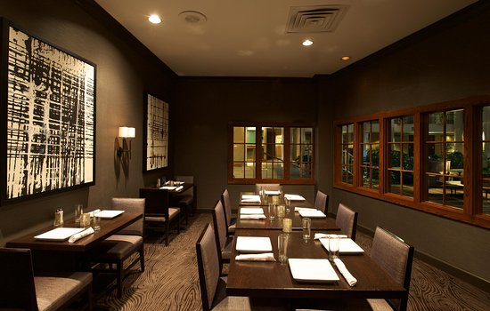 East Syracuse, NY: The Atrium Grille, Tables