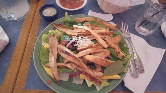 Acapulcos Mexican Family Restaurant: Chicken Jalisco Salad