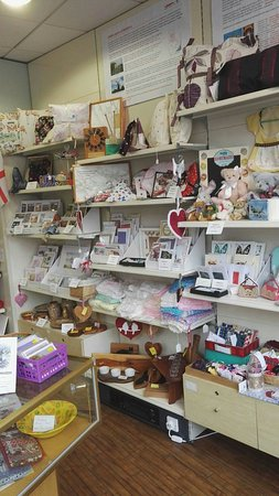 Retford, UK: Love this local, busy shop. Loads of interesting things, much is made locally.