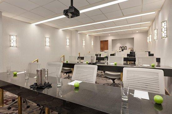 Irvine, Califórnia: State Meeting Room