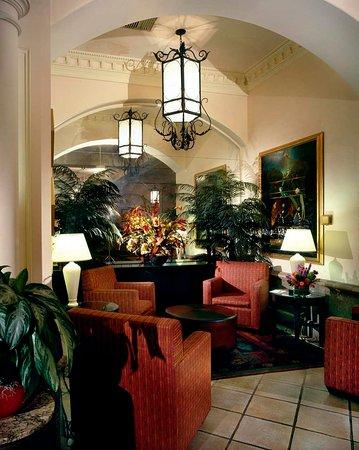 Burlingame, CA: Lobby Retreat