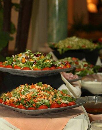 Burlingame, CA: Sunday Brunch Salads