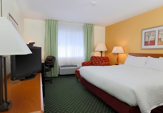 Zanesville, OH: King Guest Room