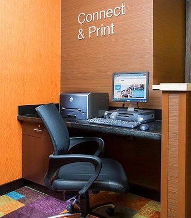 Oshkosh, WI: Business Center