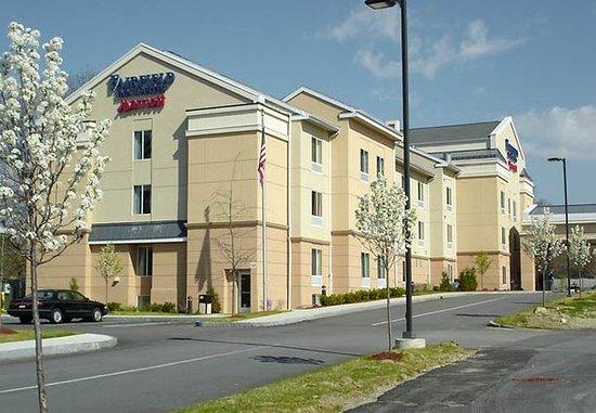 Auburn, ماساتشوستس: Exterior