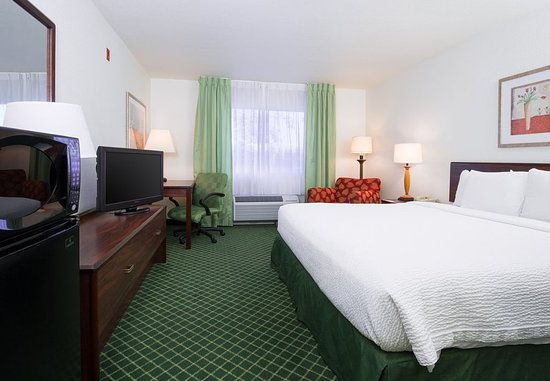 Vacaville, CA: King Guest Room
