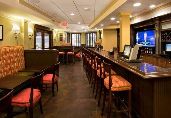 Lombard, IL: The Lounge