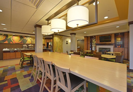 Williamsport, PA: Communal Table