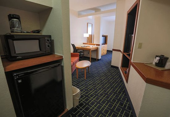 Berea, KY: Extended King Suite