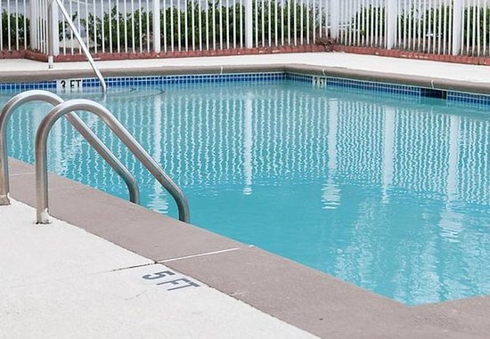 East Point, جورجيا: Outdoor Pool