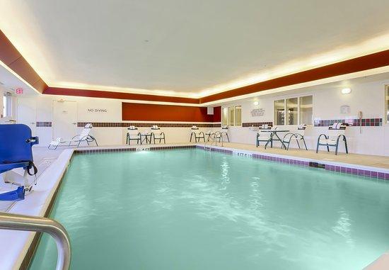 Saint Clairsville, OH: Indoor Pool