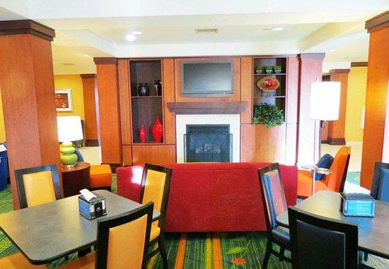 Mount Vernon, IL: Dining Area