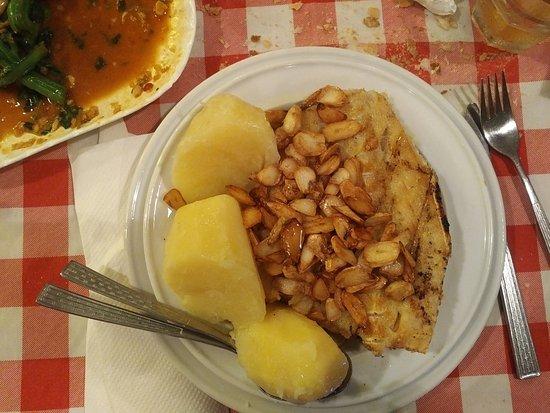 Fernando's Restaurant: Baccalà in crosta di aglio (non sono mandorle!!) e patate