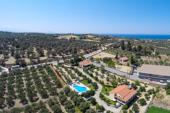 Adele, Griekenland: Aerial view of the property!!