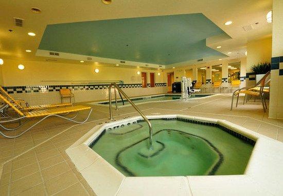 Springdale, AR: Indoor Whirlpool