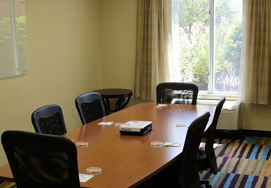 Springdale, AR: Hospitality Boardroom