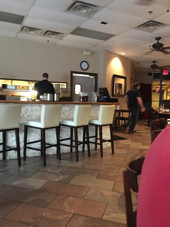 Napolis Italian Cafe: Seating area very roomy