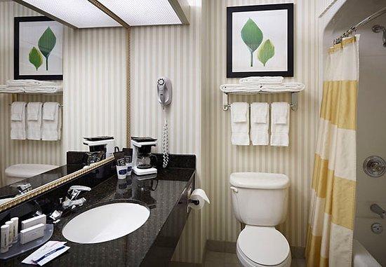 Oakville, Canadá: Guest Bathroom