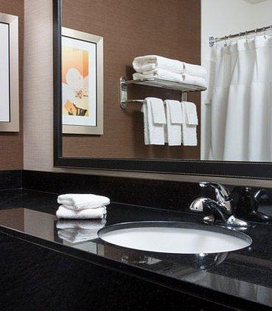 เปรู, อิลลินอยส์: Suite Bathroom