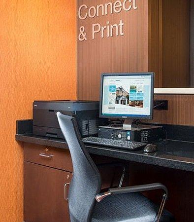 เปรู, อิลลินอยส์: Business Center