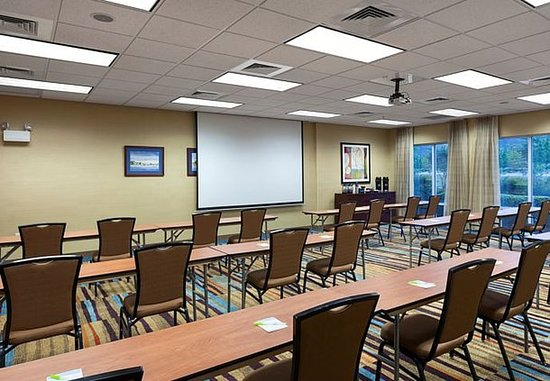 Elizabeth City, NC: McPherson Meeting Room – Classroom Setup