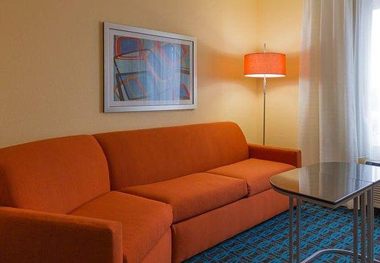 เซนต์ชาร์ลส์, มิสซูรี่: King Suite Living Area