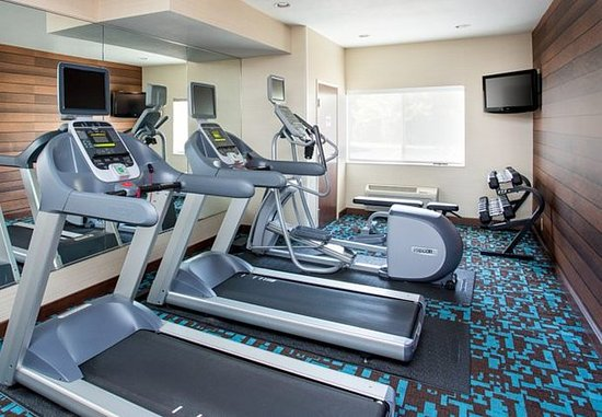 Tinley Park, IL: 24 Hour Fitness Center