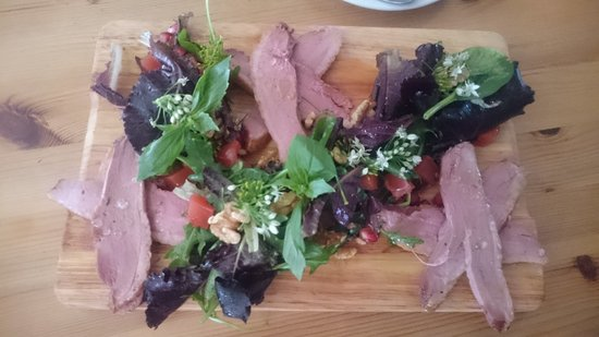 Cranbrook, UK: Smoked Duck salad