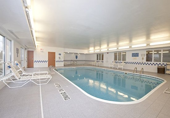 Saginaw, MI: Pool & Hot Tub