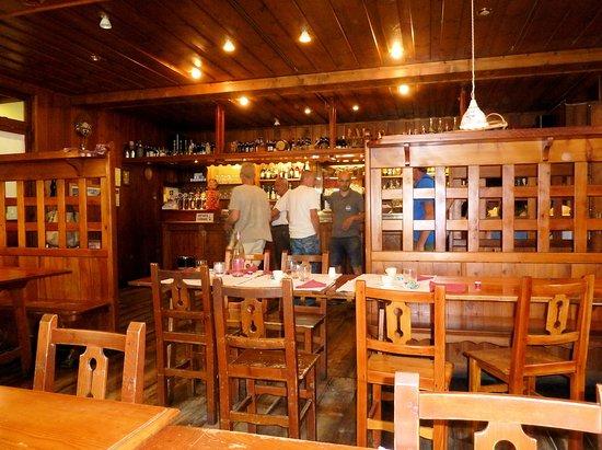 Аланья-Вальсесия, Италия: Sala bar-ristorante