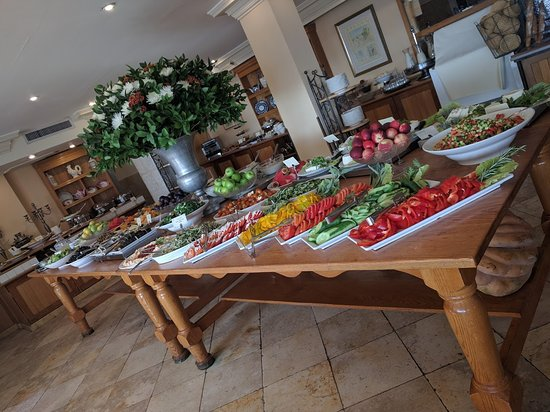 Hotel Mitzpe Hayamim: ארוחת בוקר מגוונת , וזה רק חלק מהמבחר