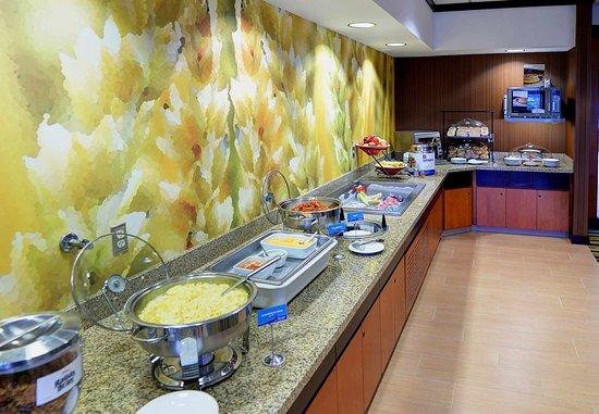 Weston, WI: Breakfast Buffet