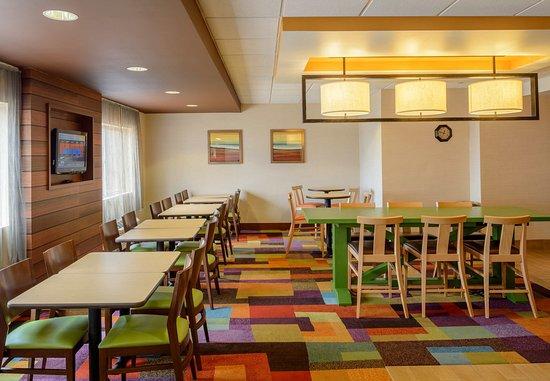 Joplin, MO: Dining Area